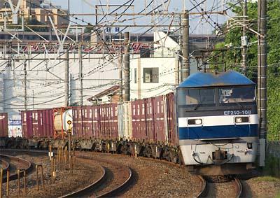 EF210_108_20100728.jpg